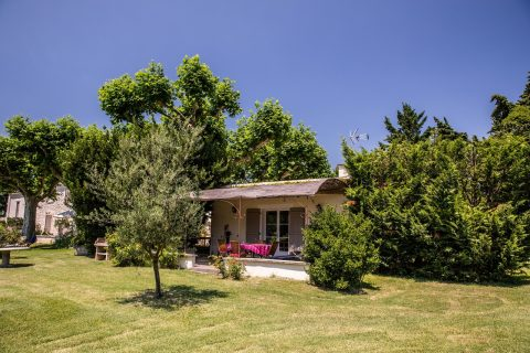 Cottage for rent in Provence with private terrace and garden, pool