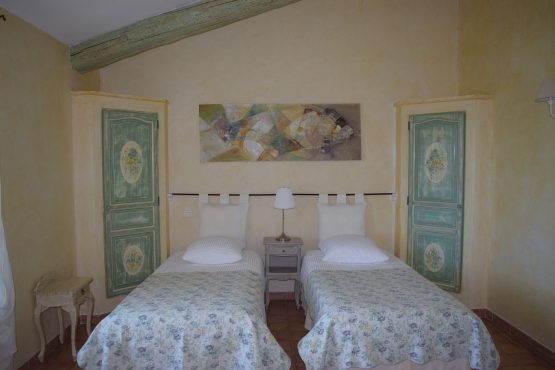 Accommodation- double room Muscadelle -Provence-B&B- Luberon-Alpilles-vaucluse