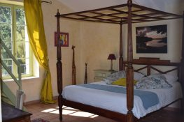 Room Olivade- accommodation family room-Bastide- provence-Luberon-Alpillesn-hote-les-amouriers-maison-hotes-charme-chambre-provence-luberon alpilles