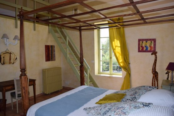 Room Olivade- accommodation- family room-Bastide- provence-Luberon-Alpillesn-hote-les-amouriers-maison-hotes-charme-chambre-provence-luberon alpilles